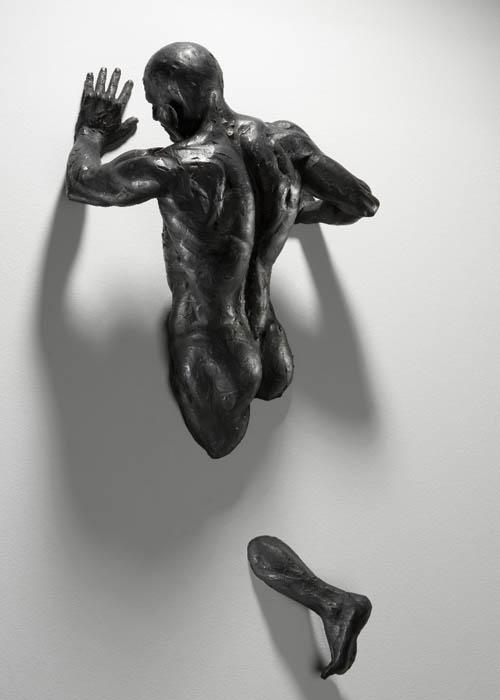 sculptures that emerge vanish into walls matteo pugliese 4 Amazing Sculptures That Emerge from Walls