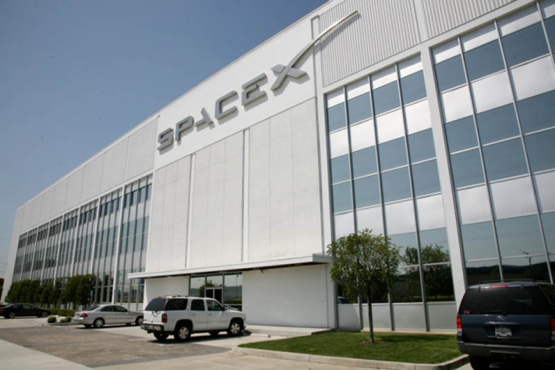 spacex headquarters main office 1 The Historic SpaceX Mission