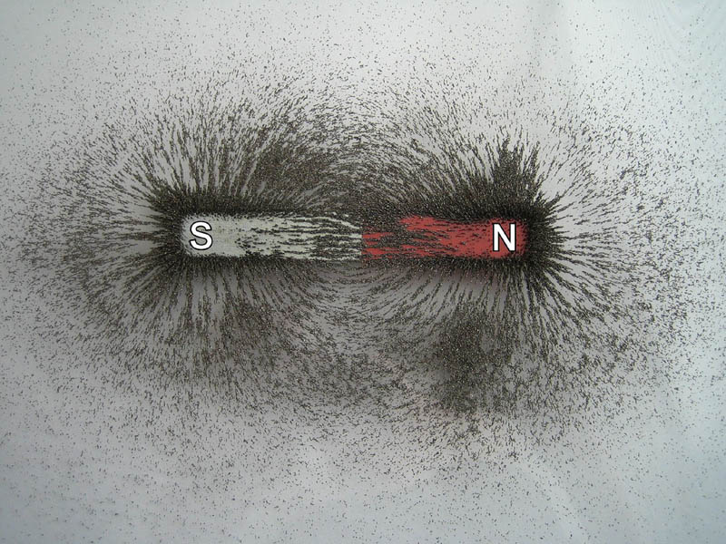 visualizing magnetic fields with iron filings 3 10 Photos to Help You Visualize Magnetic Fields