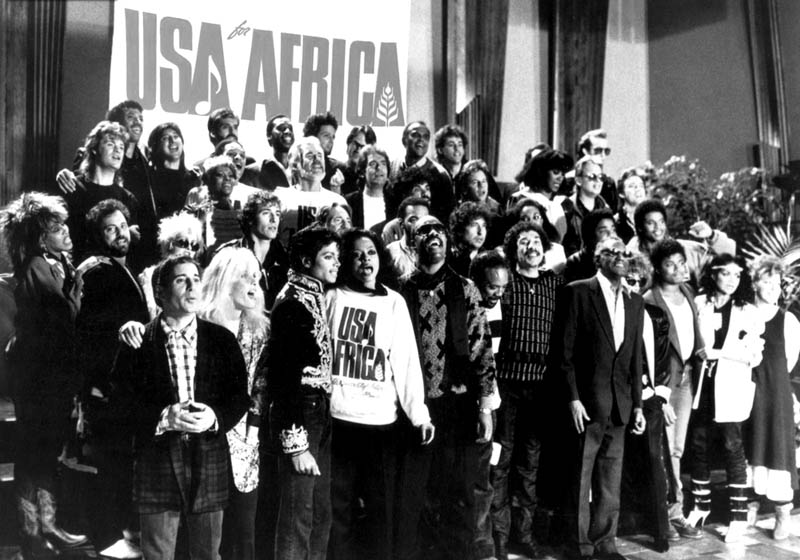 we are the world usa for africa michael jackson 1985 The Most Epic Group Photos You Will See Today