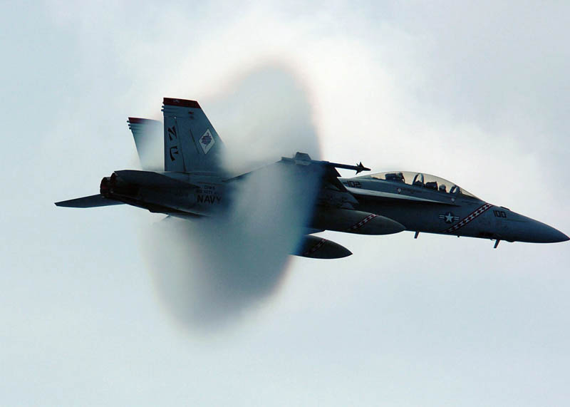 f18 super hornet goes supersonic speed