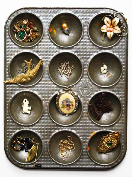 using a cupcake tray as a jewellery organizer