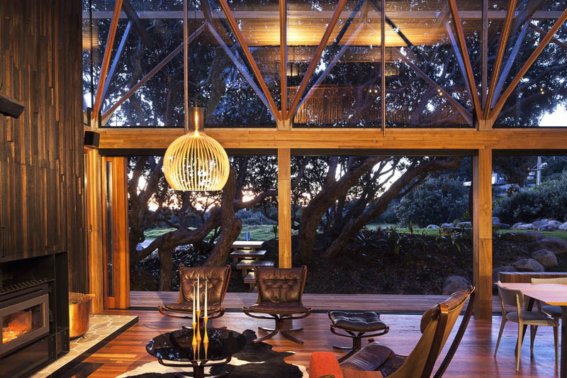 beach house surrounded by trees under pohutukawa herbst architects 12 Award Winning Beach House Surrounded by Trees