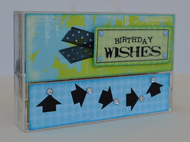 turn old cassette tape cases into gift card boxes