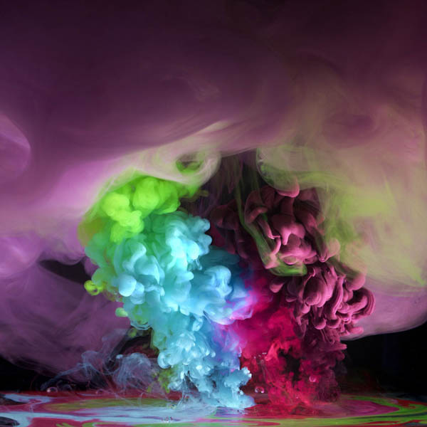 colored ink in water aqueous mark mawson 5 Ink Explosions Under Water by Mark Mawson