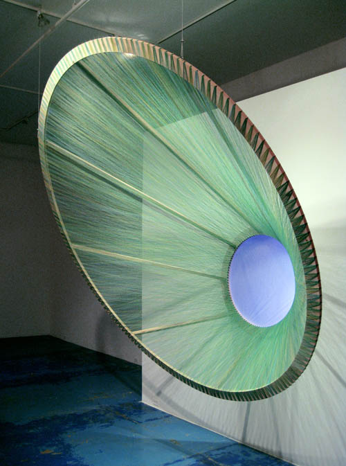 eye made from colored thread gabriel dawe 1 6 Amazing Color Spectrums Made from Thread