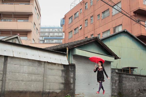 levitation photo portraits by natsumi hayashi 10 Levitation Portraits by Natsumi Hayashi
