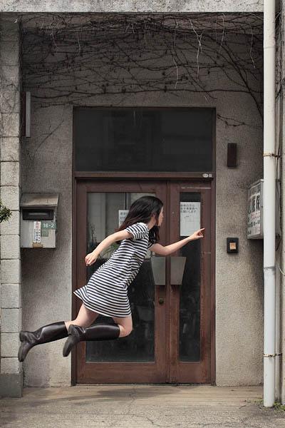 levitation photo portraits by natsumi hayashi 3 Levitation Portraits by Natsumi Hayashi
