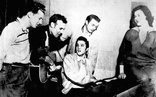 million dollar quartet uncropped photo with elvis' girlfriend sitting on piano