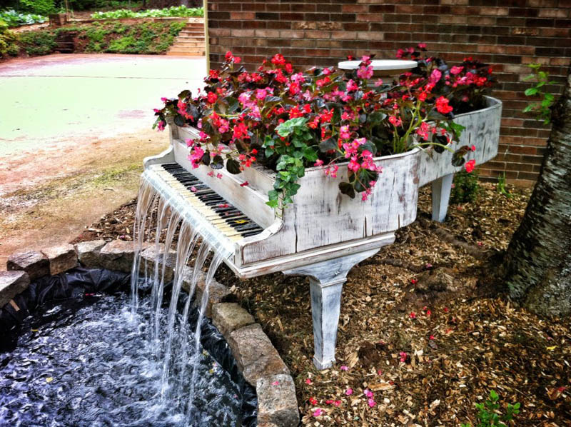 old piano turned into outdoor water fountain 50 Creative Ways to Repurpose, Reuse and Upcycle Old Things