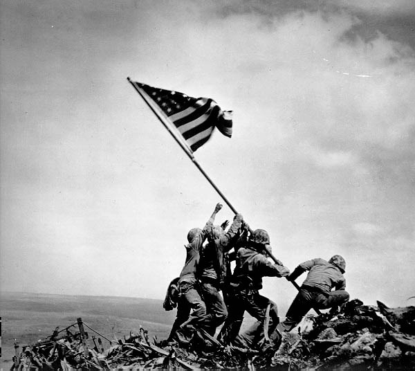 uncropped photo of famous ww2 photo showing soldiers raising flag on iwo jima