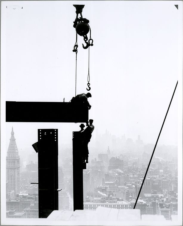 vintage empire state building construction photos by lewis wickes hine 1931 28 The Curvaceous Marilyn Monroe Absolute Towers