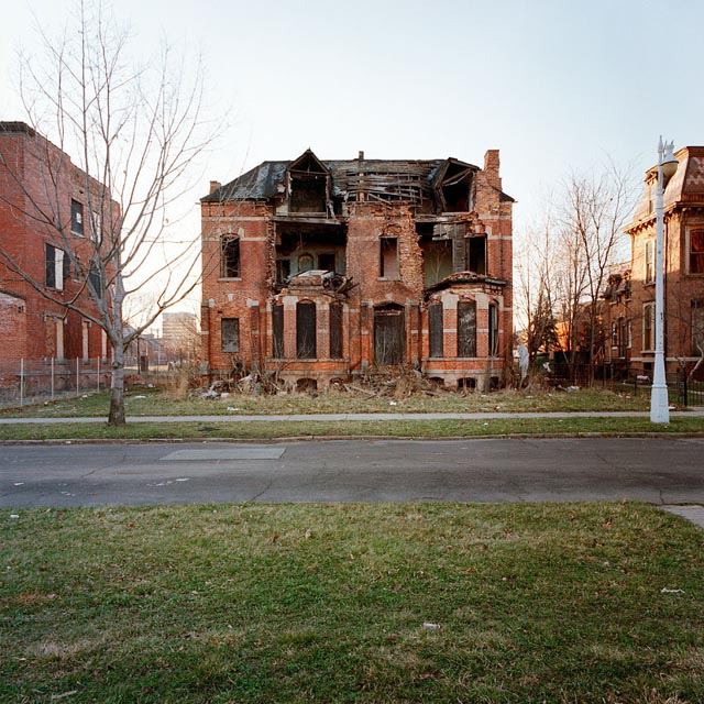 abandoned houses in detroit by kevin bauman 4 A Tour of Abandoned Houses in Detroit