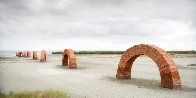 andy goldsworthy arches 1 The Incredible Sculptures of Gibbs Farm