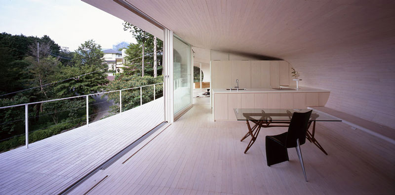 crescent house by shigeru ban architects 8 Crescent Shaped Home with Views of Mt. Fuji