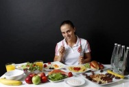The Daily Food Intakes of Olympic Athletes [8 pics]