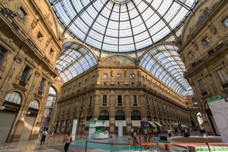 galleria vittorio emanuele ii milan 3 The Galleria: Milans Glass Covered Street