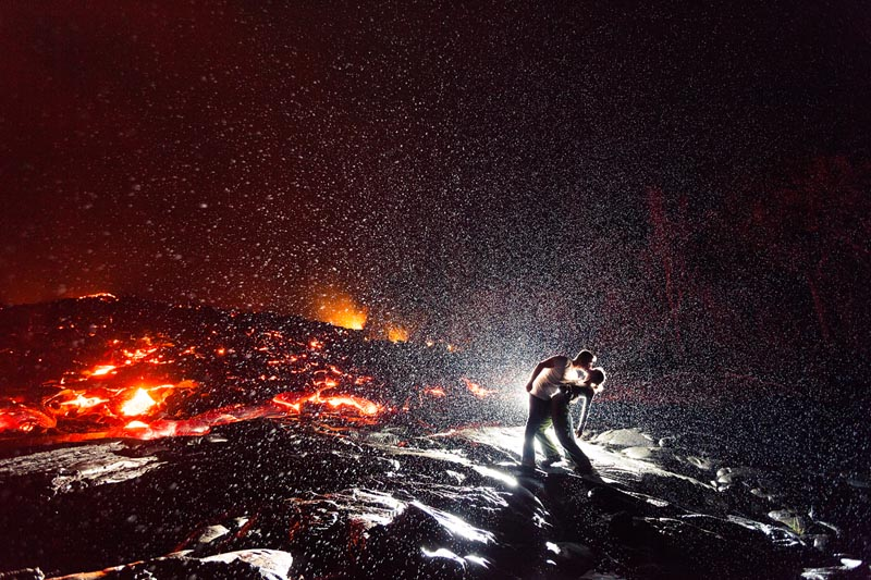 hottest kiss ever kiss dip in front of volcano Picture of the Day: Hottest. Kiss. Ever.