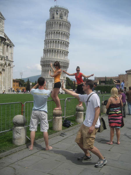 leaning tower of pisa funny 9 Ten Alternatives to Leaning on the Tower of Pisa