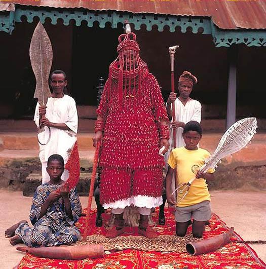 OBA JOSEPH ADEKOLA OGUNOYE – Olowo of Owo (Nigeria) portrait by daniel lane