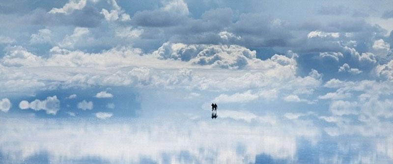 reflection pictures at salar de uyuni worlds largest salt flat by takaki watanabe 8 Reflective Beauty at the Worlds Largest Salt Flat [10 pics]