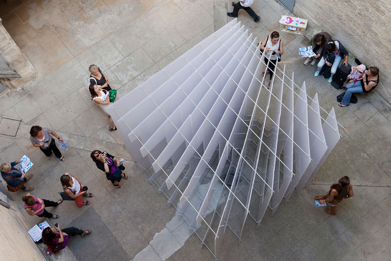 reframe cube portrait installation 5 Art Installation in France Takes on Multiple Forms