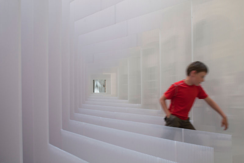 reframe cube portrait installation 6 Art Installation in France Takes on Multiple Forms