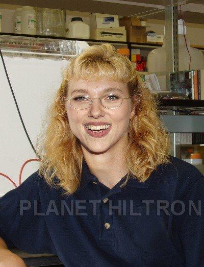 scarlett johansson photoshopped funny celebrity make under 18 Hilarious Celebrity Make Unders Using Photoshop