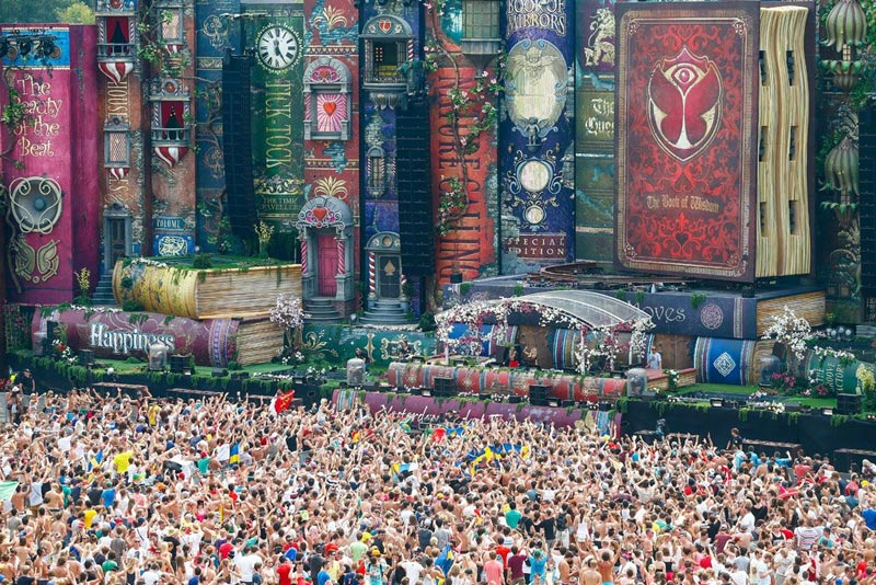 2012 tomorrowland main stage books boom belgium Picture of the Day: The Incredible Main Stage at Tomorrowland