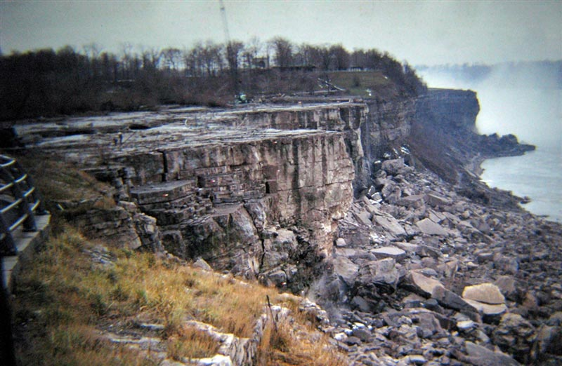 american niagara falls dry de watered 1969 10 The Day Niagara Falls Went Dry