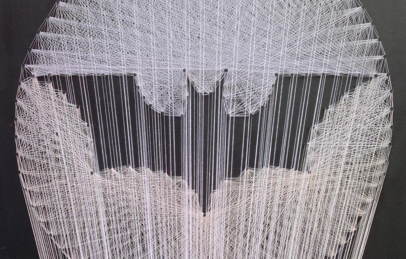 batman symbol made from thread string 1 Awesome Batman Symbol Made from Thread