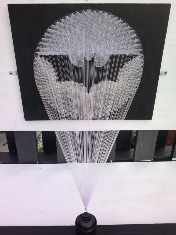 batman symbol made from thread string 4 Awesome Batman Symbol Made from Thread