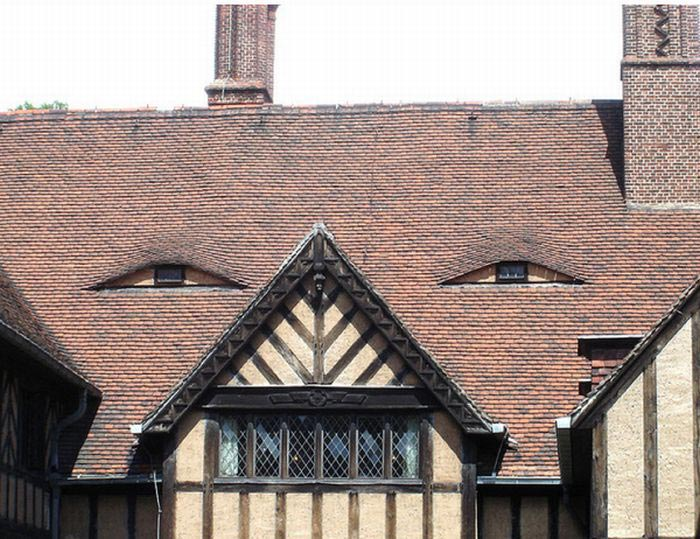 buildings with unintentionally funny faces 3 23 Buildings with Unintentionally Funny Faces