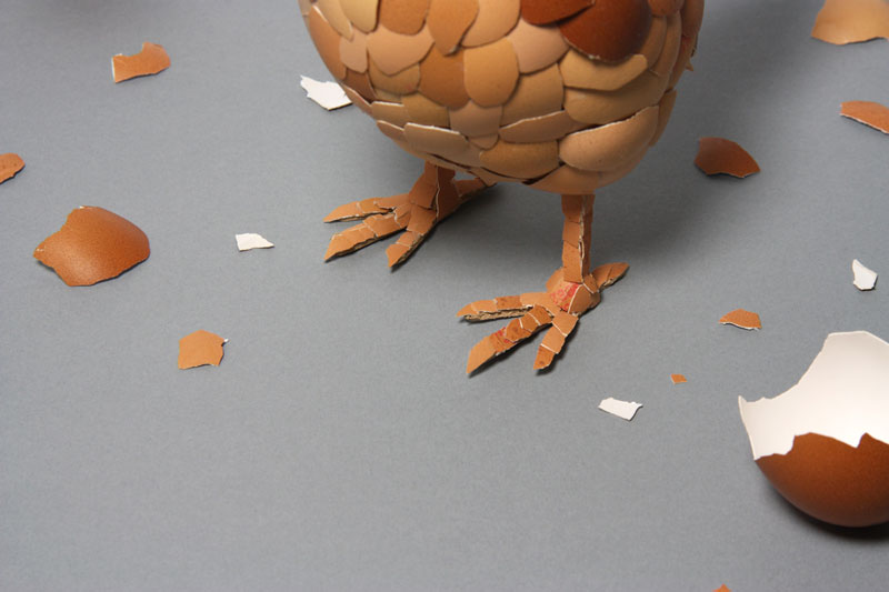 chicken made of egg shells kyle bean 2 Inventive Hand Crafted Art by Kyle Bean