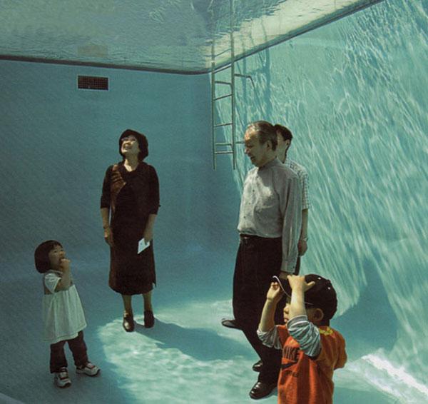 fake swimming pool illusion leandro erlich 3 The Swimming Pool Illusion by Leandro Erlich