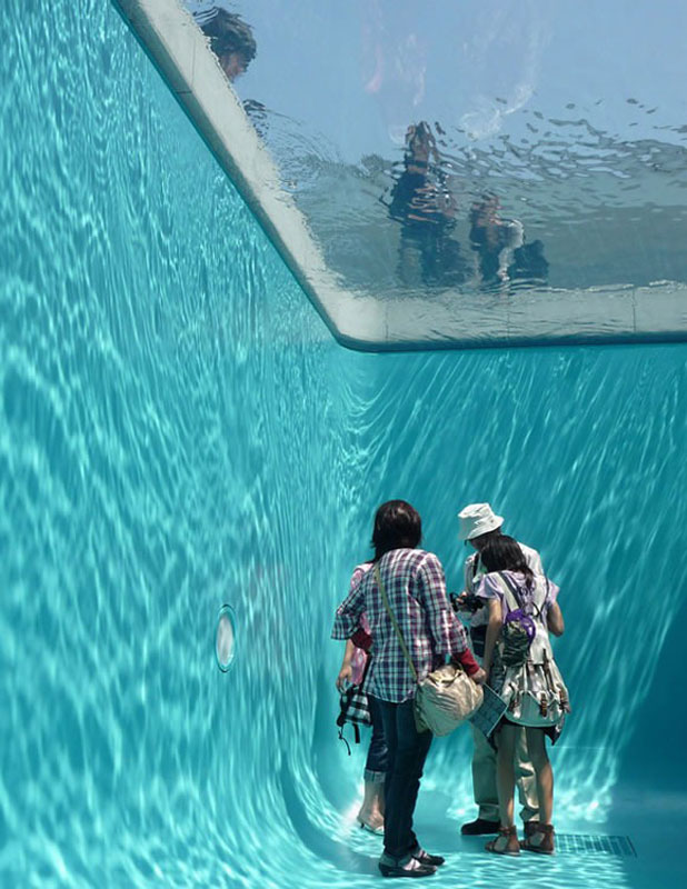 fake swimming pool illusion leandro erlich 6 Youve Never Seen a Trailer Park Like This [15 pics]
