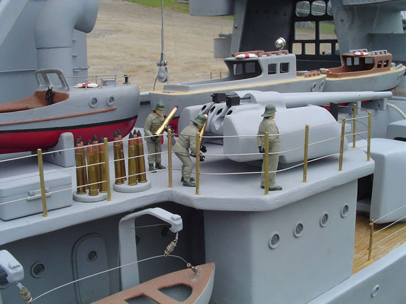 giant model warship replica admiral graf spee by william terra 11 Man Builds 30 ft Model Replica of a Battleship
