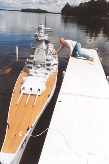 giant model warship replica admiral graf spee by william terra 3 Man Builds 30 ft Model Replica of a Battleship