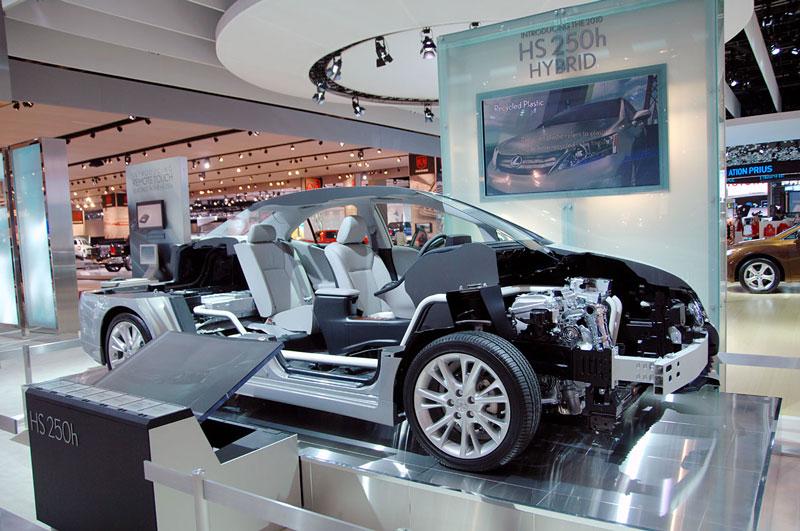 lexus hs250 hybrid cutaway 15 Amazing Car Cutaways