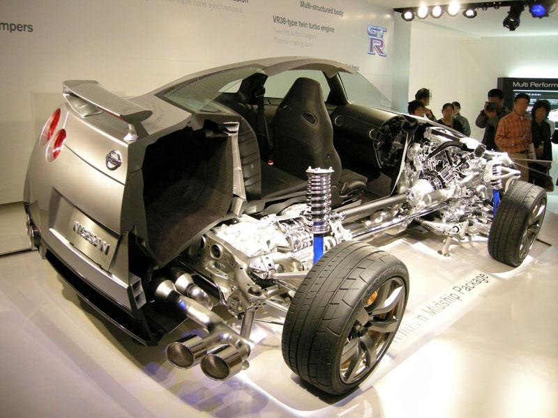 nissan gt r cutaway car cut in half 15 Amazing Car Cutaways