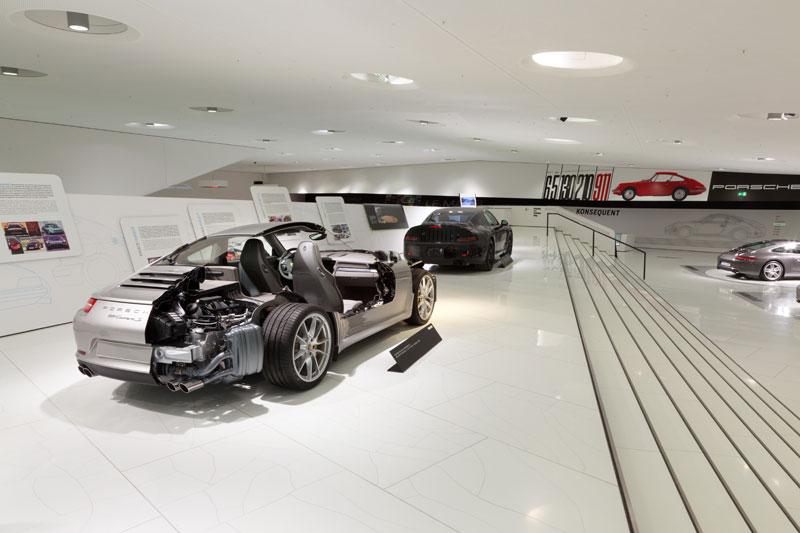 porsche carrera s cutaway 15 Amazing Car Cutaways
