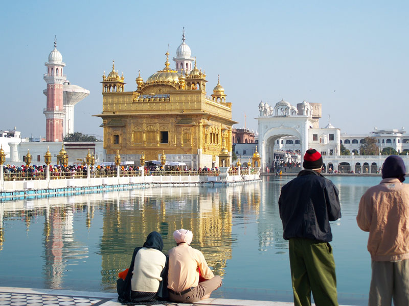 the golden temple harmandir sahib amritsar india The Kitchen at the Golden Temple Feeds up to 100,000 People a Day for Free