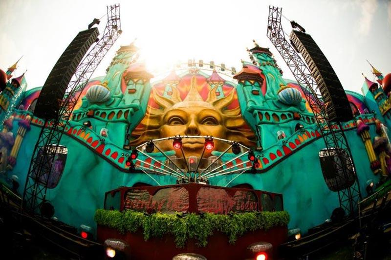 tomorrowland music festival stage belgium 10 The Amazing Stage Designs of the Tomorrowland Music Festival