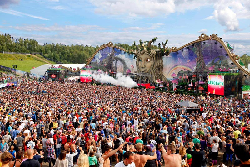 tomorrowland music festival stage belgium 14 Picture of the Day: The Incredible Main Stage at Tomorrowland