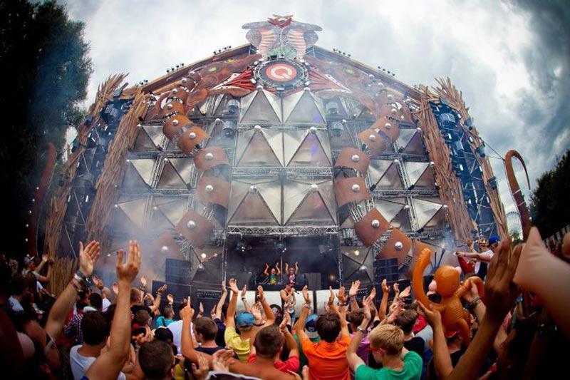 tomorrowland music festival stage belgium 16 The Amazing Stage Designs of the Tomorrowland Music Festival