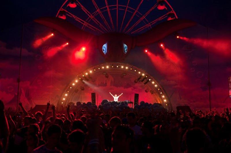 tomorrowland music festival stage belgium 2 The Amazing Stage Designs of the Tomorrowland Music Festival