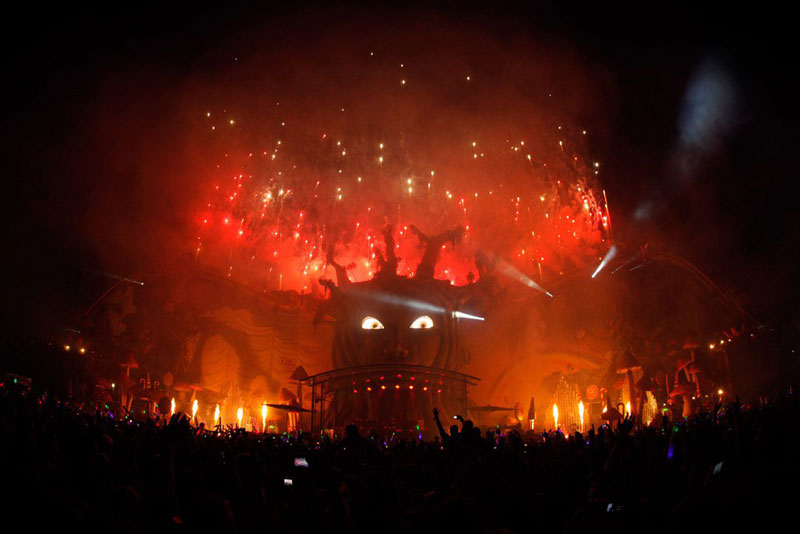 tomorrowland music festival stage belgium 9 The Amazing Stage Designs of the Tomorrowland Music Festival