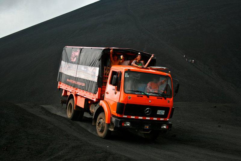 volcano ash boarding cerro negro leon nicaragua 4 Volcano Boarding at Cerro Negro in Nicaragua