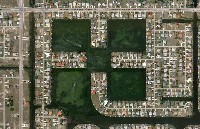 aerial patterns of human housing developments on google maps 3 Patterns of Human Development Found on Google Maps