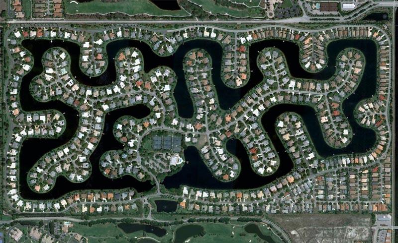 aerial patterns of human housing developments on google maps 6 Patterns of Human Development Found on Google Maps